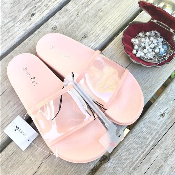 326405d9174 💖NWT💖 Pink Clear Plastic Slides